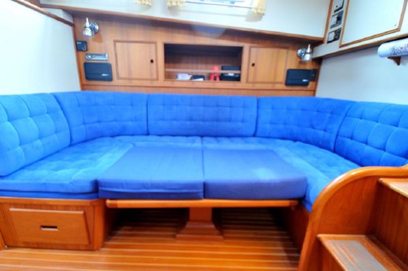 1995 GRAND BANKS Eastbay EX Motor Yacht 2978557