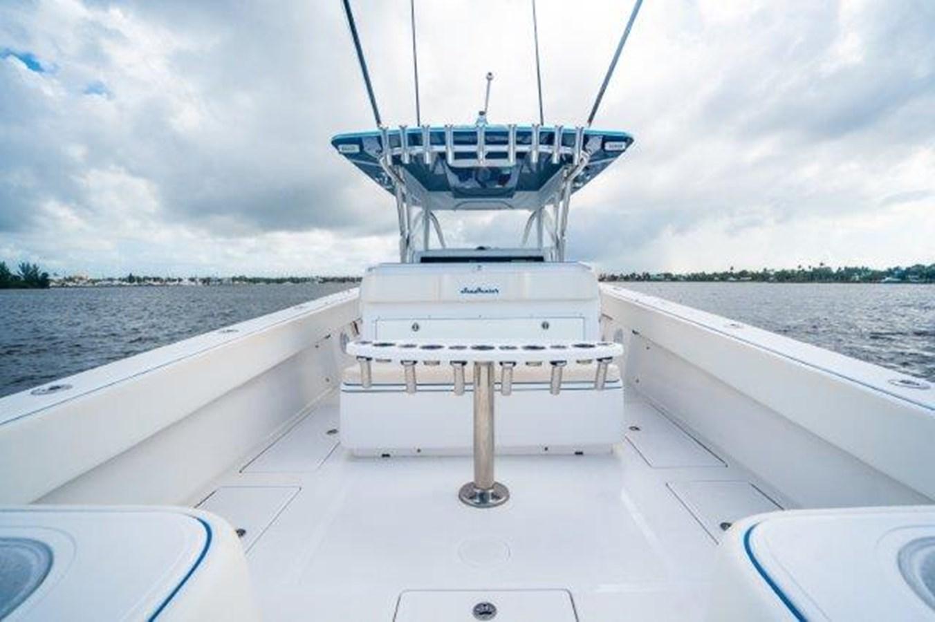 Deck 2015 SEA HUNTER  Sport Fisherman 2749114