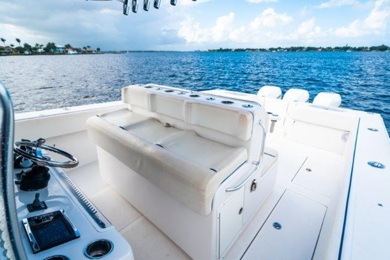Helm Seating 2015 SEA HUNTER  Sport Fisherman 2749116
