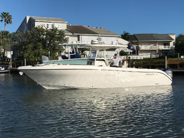249 2017 CENTURY 3200 CC Sport Fisherman 2751625