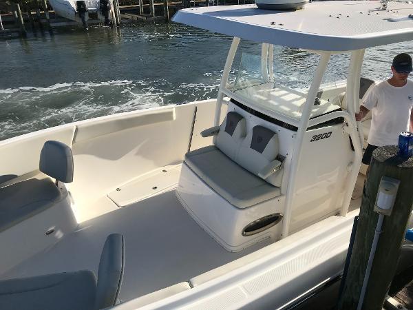 262 2017 CENTURY 3200 CC Sport Fisherman 2782891