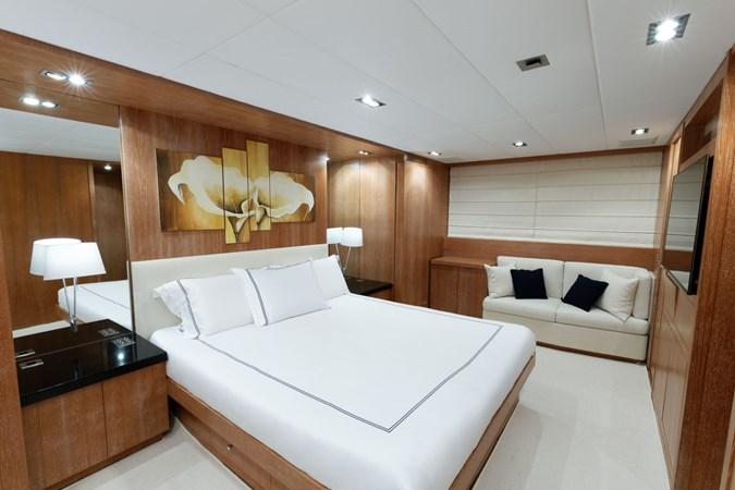 IMG_5526_DXO 2006 OVERMARINE - MANGUSTA 92  Motor Yacht 2749972
