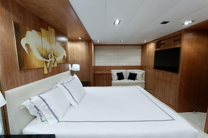 IMG_5531_DXO 2006 OVERMARINE - MANGUSTA 92  Motor Yacht 2749973