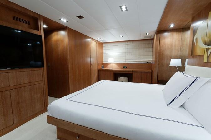 IMG_5546_DXO 2006 OVERMARINE - MANGUSTA 92  Motor Yacht 2749975