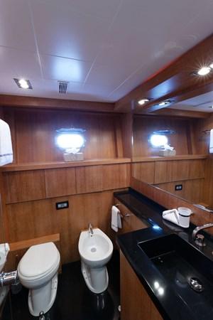IMG_5573_DXO 2006 OVERMARINE - MANGUSTA 92  Motor Yacht 2749979