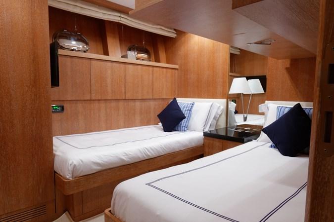 IMG_5597_DXO 2006 OVERMARINE - MANGUSTA 92  Motor Yacht 2749983