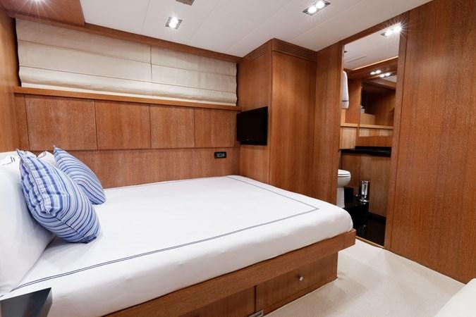 IMG_5621_DXO 2006 OVERMARINE - MANGUSTA 92  Motor Yacht 2749985