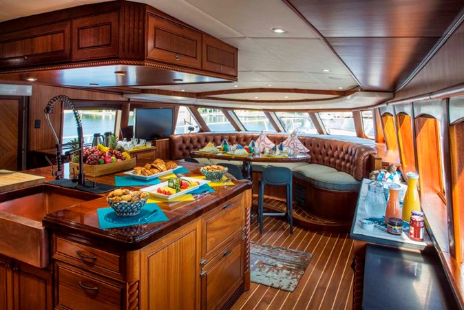 Country Kitchen 1990 TRINITY Raised Pilothouse (1990/2015) Motor Yacht 2750185