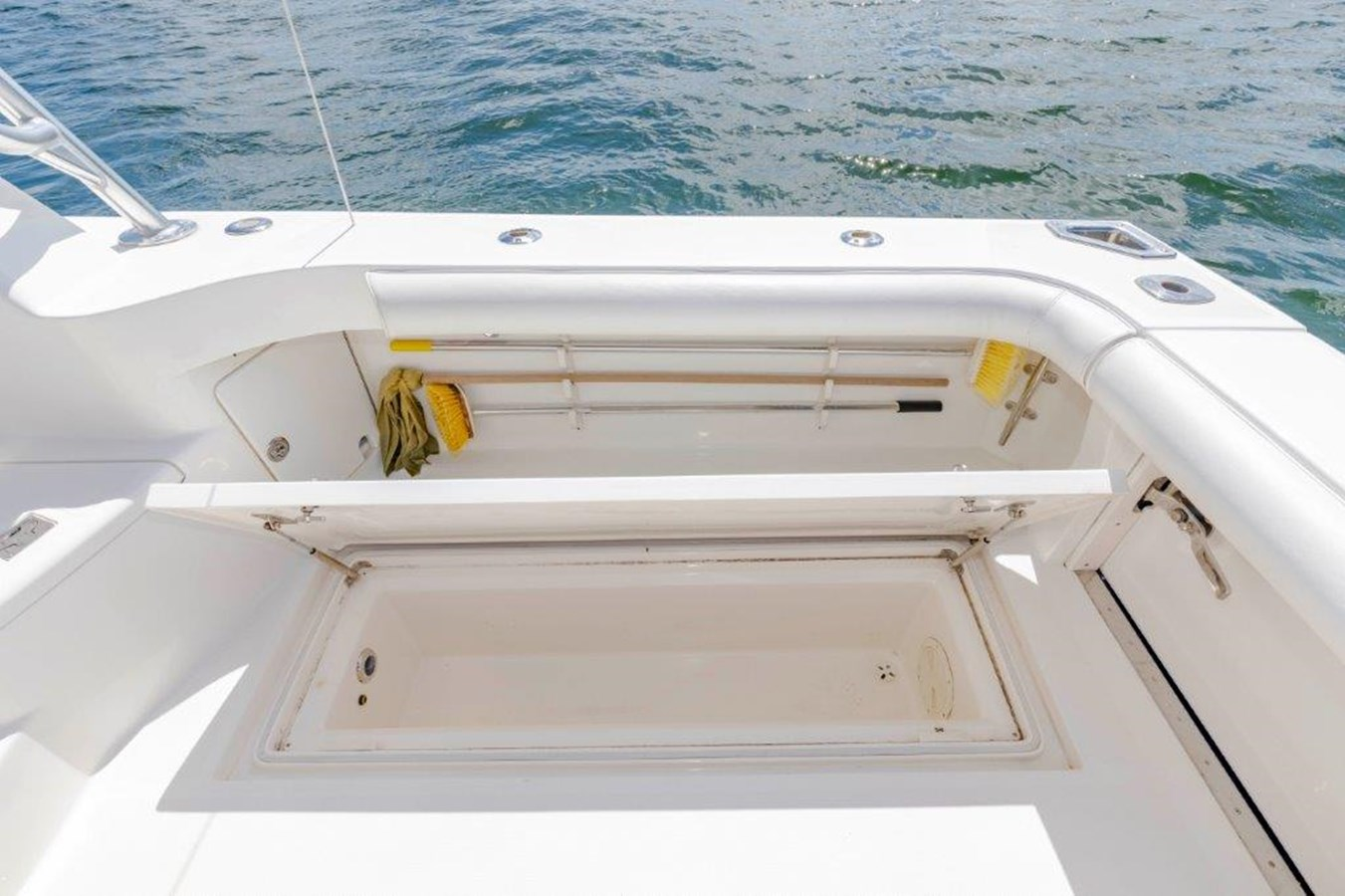 cockpit fish box and ice chipper 2012 CABO  Sport Fisherman 2895566