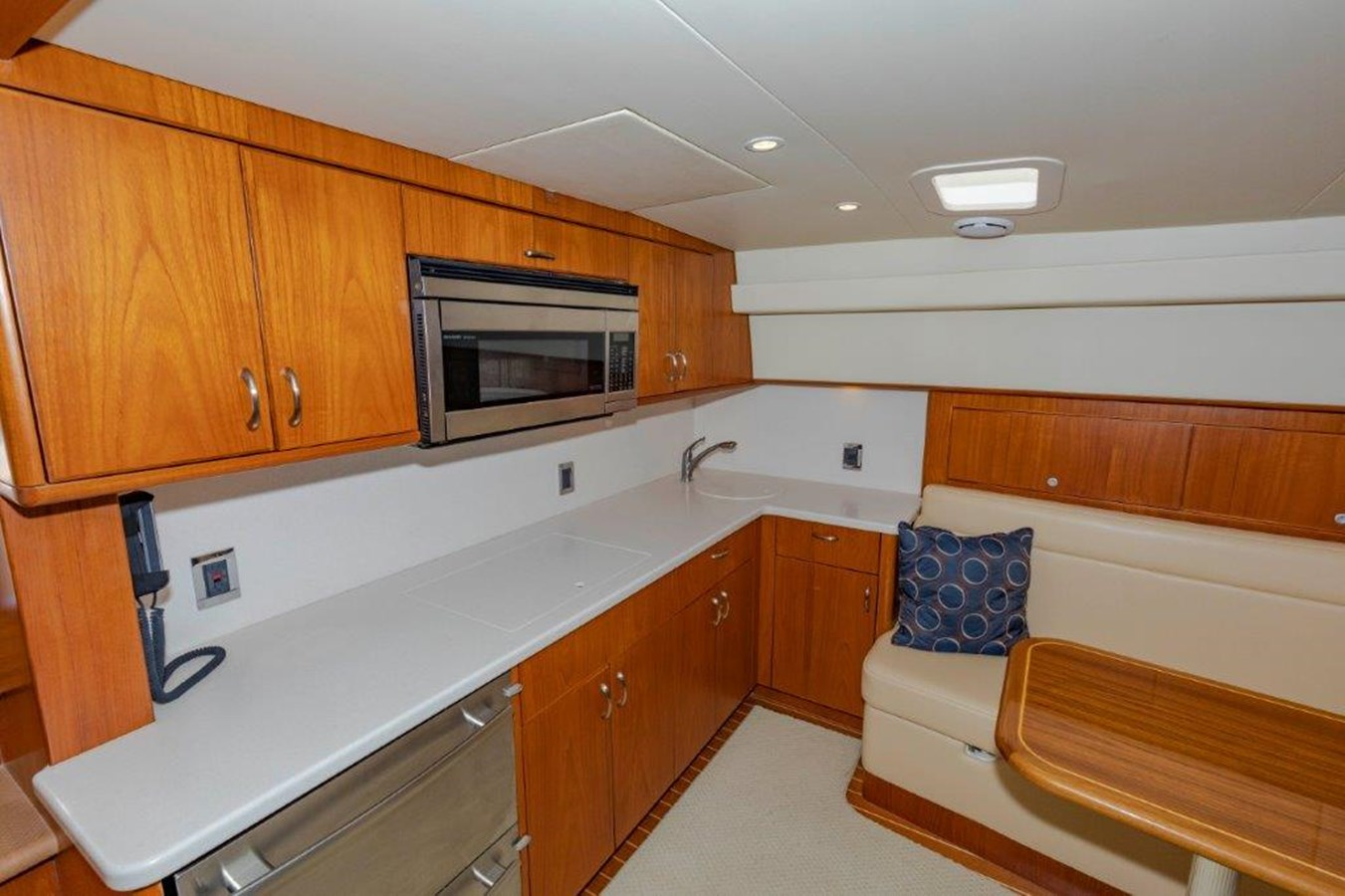 galley 2012 CABO  Sport Fisherman 2895578