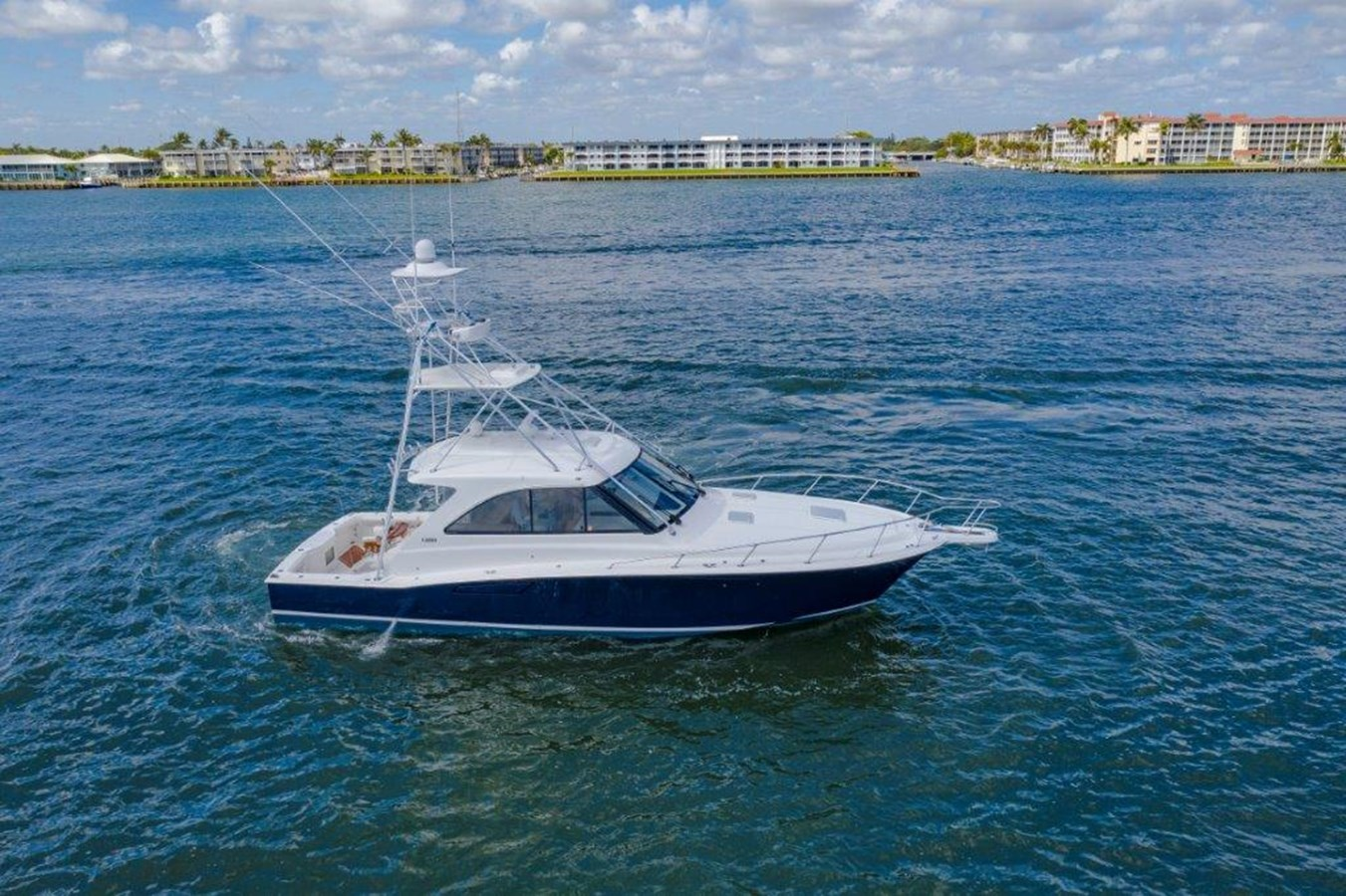 stbd profile aerial 2012 CABO  Sport Fisherman 2895681