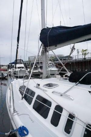 9 1998 HUNTER 340 Cruising/Racing Sailboat 2751019
