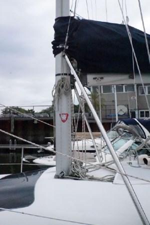 11 1998 HUNTER 340 Cruising/Racing Sailboat 2751023