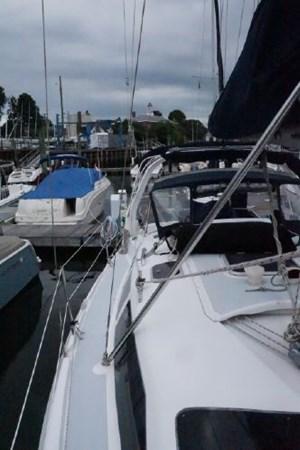 30 1998 HUNTER 340 Cruising/Racing Sailboat 2751039