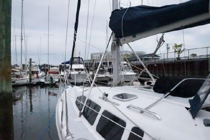 8 1998 HUNTER 340 Cruising/Racing Sailboat 2751065