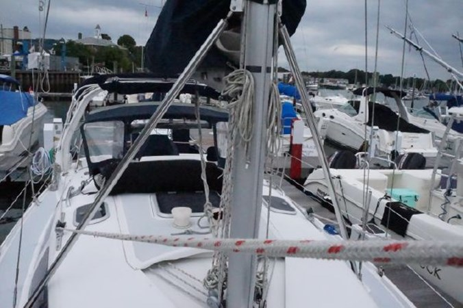 31 1998 HUNTER 340 Cruising/Racing Sailboat 2751091
