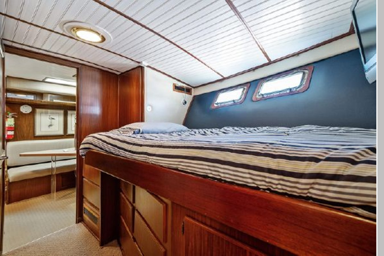 33 1985 HATTERAS Widebody Pilothouse Motor Yacht 2961560