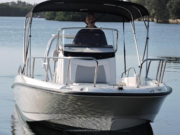 Bow 2014 BOSTON WHALER 240 Dauntless Sport Fisherman 2815668
