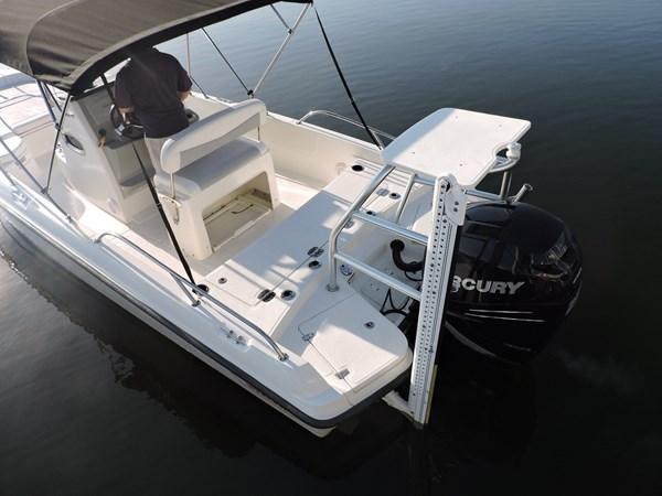 Transom 2014 BOSTON WHALER 240 Dauntless Sport Fisherman 2815673