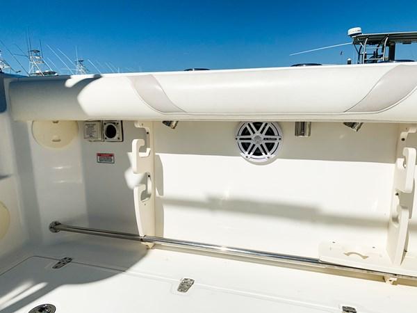 Gunnel Rod Holder 2007 BOSTON WHALER 305 Conquest Cruiser 2753030
