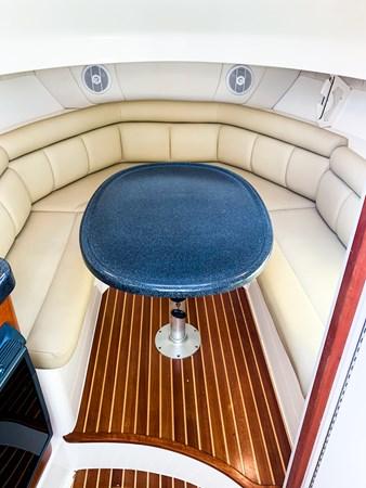 Cabin Dinette 2007 BOSTON WHALER 305 Conquest Cruiser 2753040