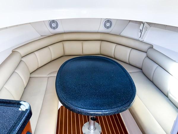 Cabin Dinette 2007 BOSTON WHALER 305 Conquest Cruiser 2753041