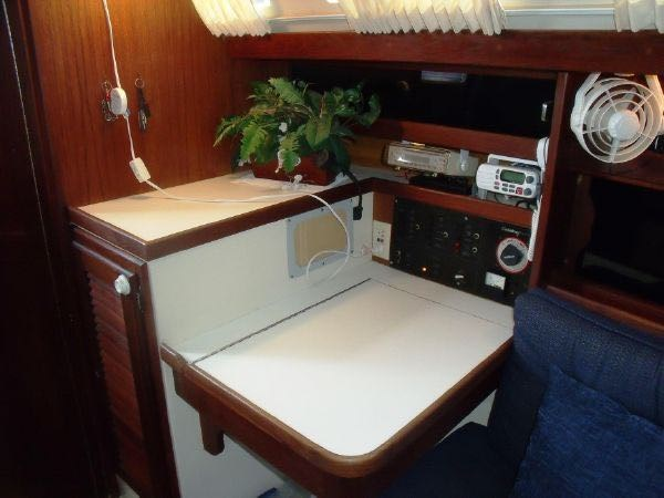 19 1990 CATALINA  Cruising Sailboat 2753437