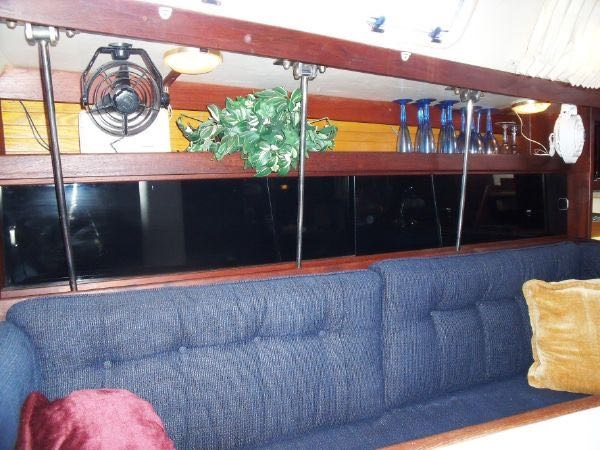 16 1990 CATALINA  Cruising Sailboat 2753456