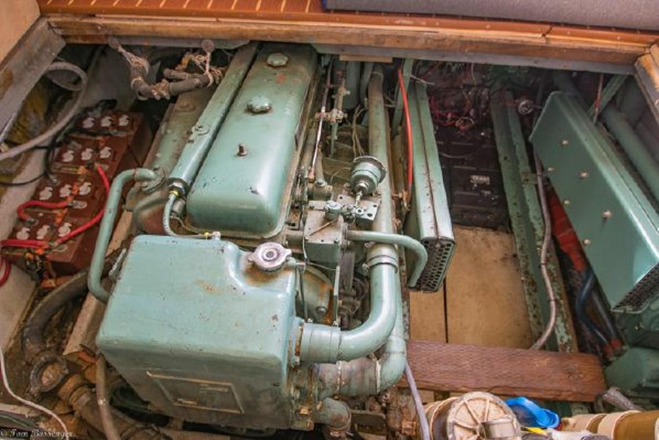 46 1974 VIKING 40 Convertible Sport Fisherman 2753588