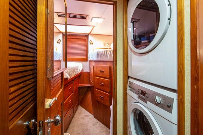 REFLECTION 35L 1984 BROWARD  Motor Yacht 2754874