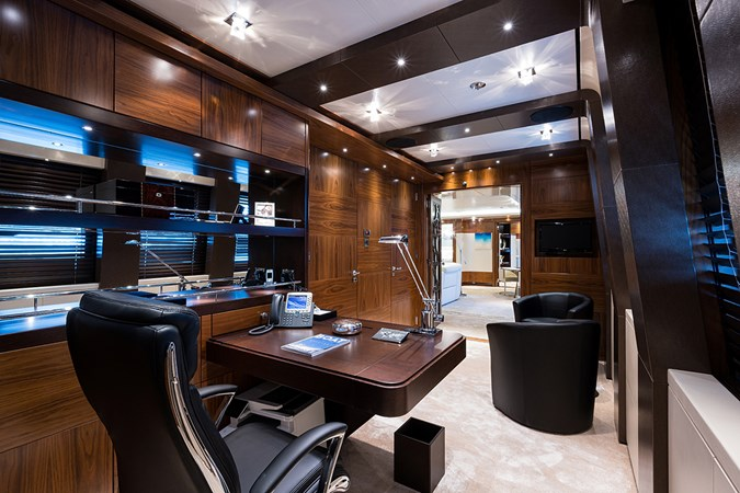 Quantum of Solace_master_office_2 2012 TURQUOISE YACHTS  Mega Yacht 2796384
