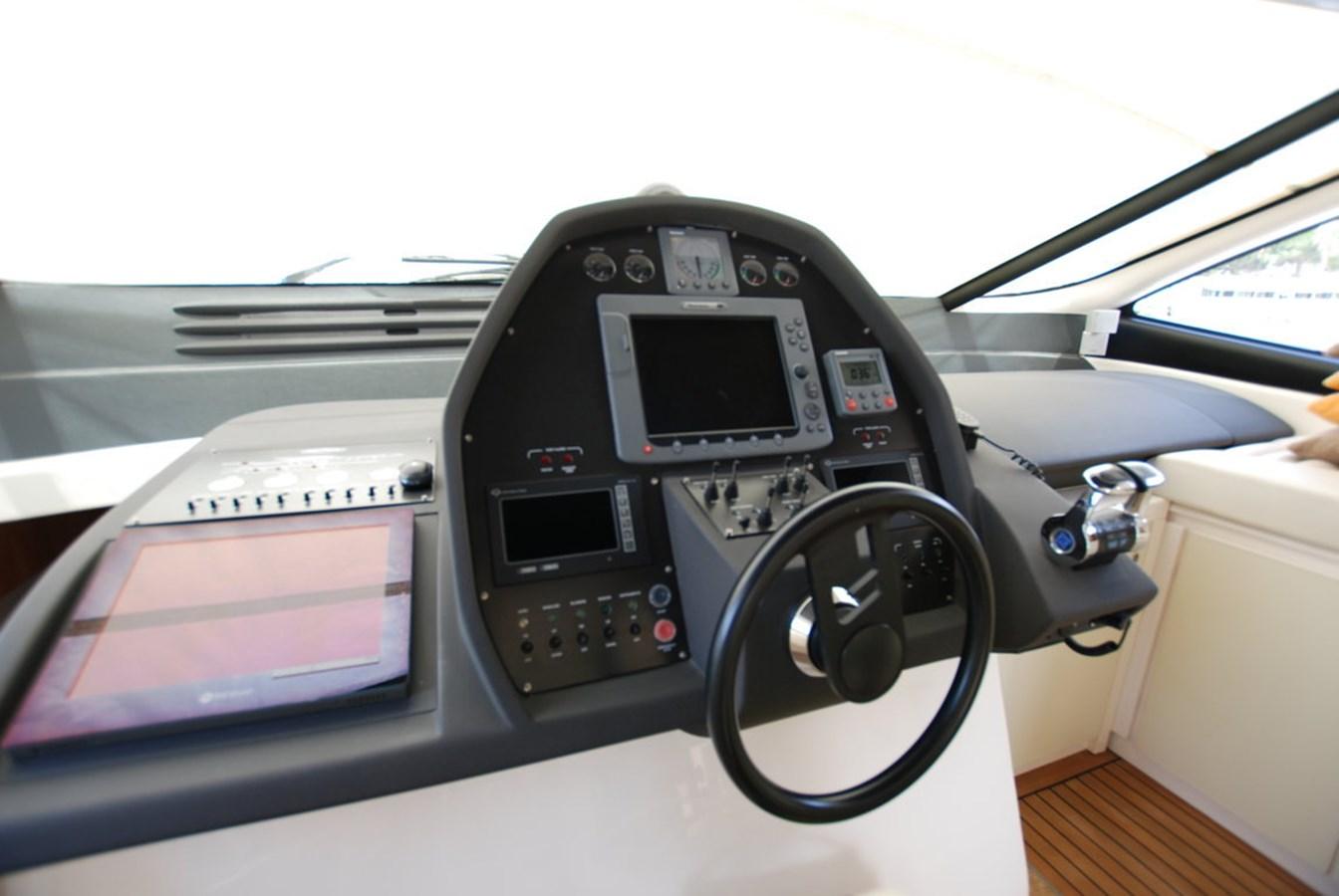 DSC_3920 (FILEminimizer) 2007 PERSHING 62 HT Motor Yacht 2756200