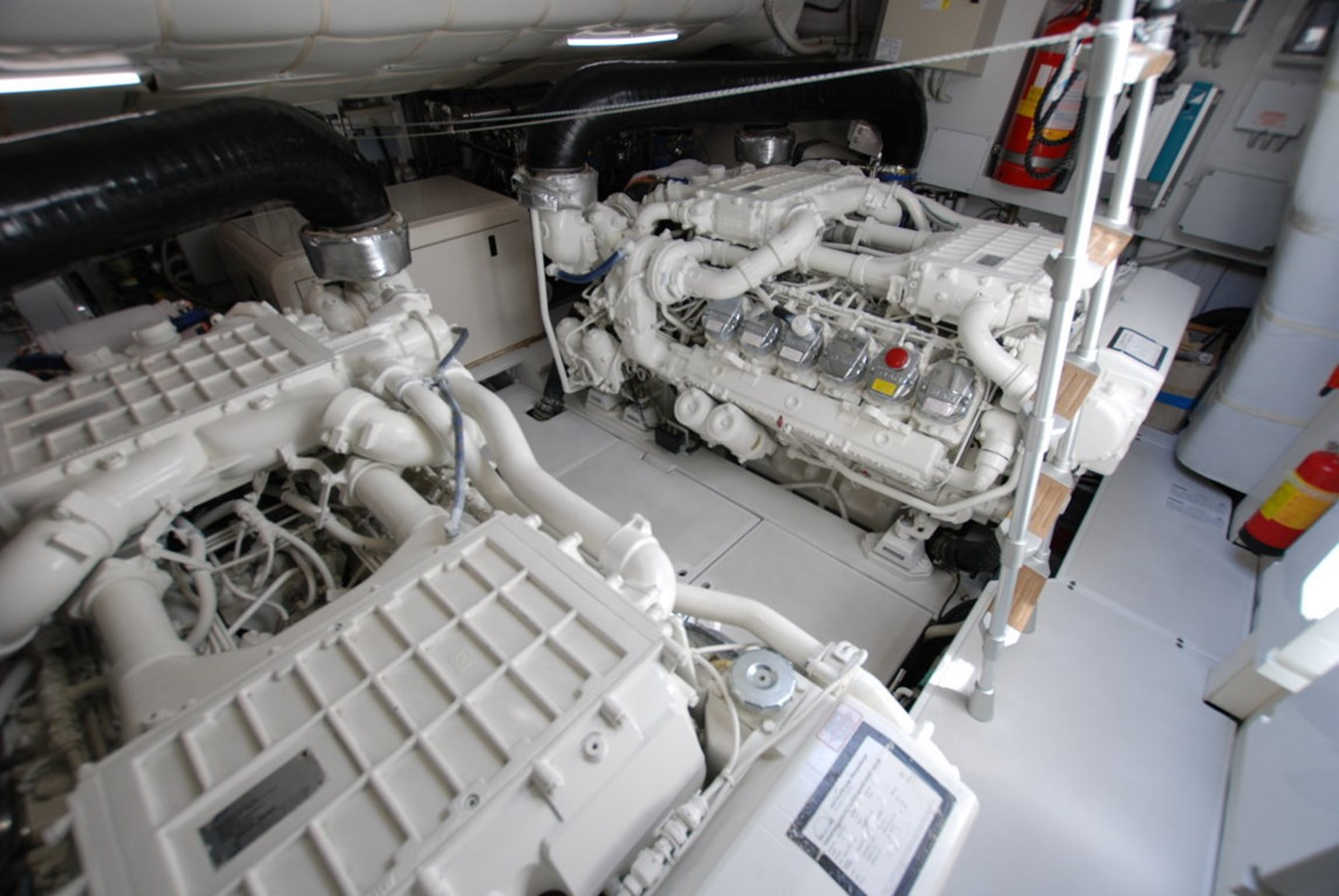 DSC_3950 (FILEminimizer) 2007 PERSHING 62 HT Motor Yacht 2756215