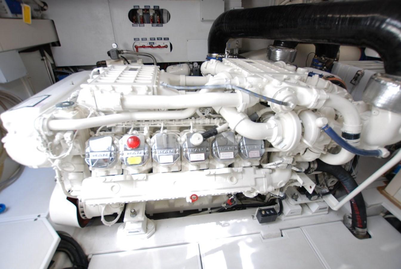 DSC_3955 (FILEminimizer) 2007 PERSHING 62 HT Motor Yacht 2756216