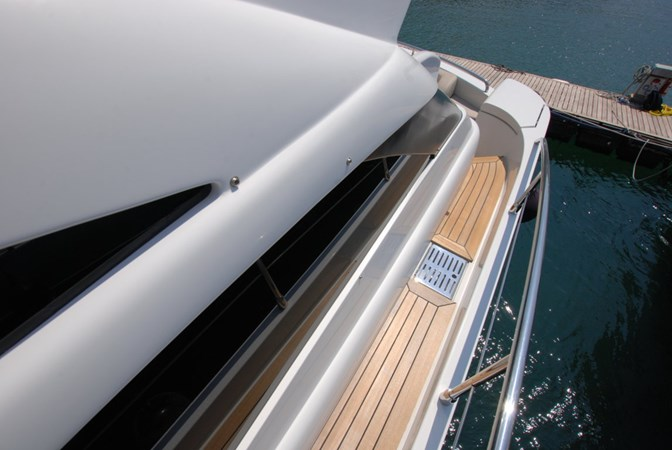 DSC_3906 (FILEminimizer) 2007 PERSHING 62 HT Motor Yacht 2756205