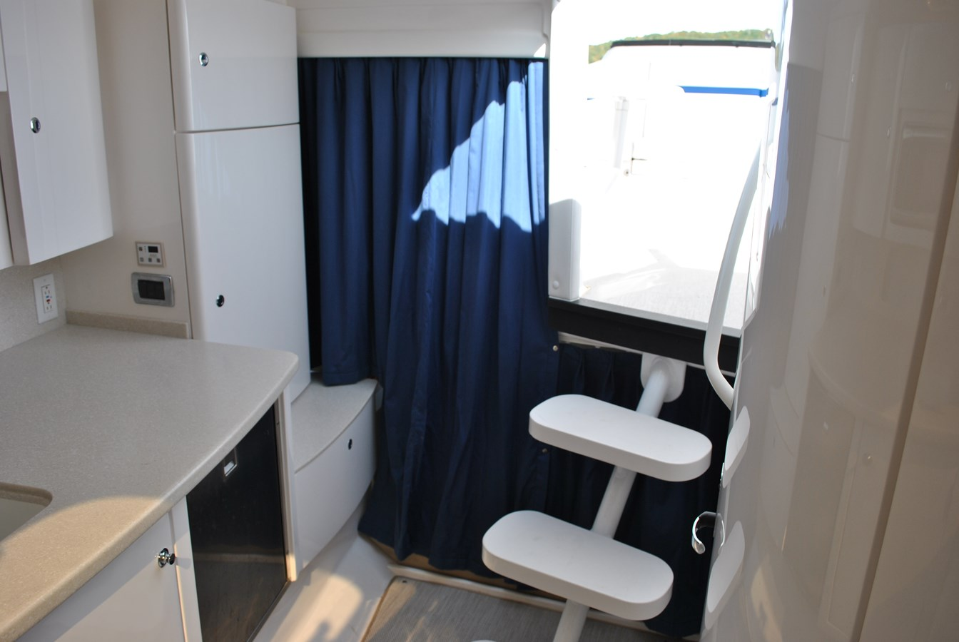5 Aft Berth Enclosure Curtains 2015 INTREPID  Motor Yacht 2757384