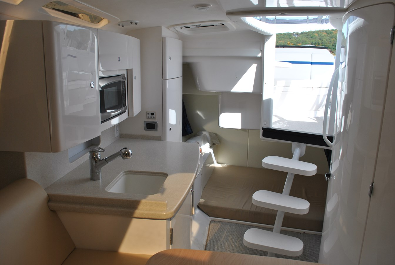 4 Cabin and Aft Berth 2015 INTREPID  Motor Yacht 2757388