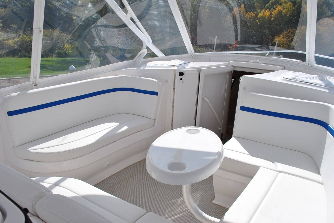 8 Forward Cockpit Seating 2015 INTREPID  Motor Yacht 2757390