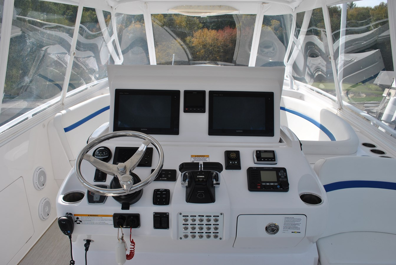 12 Helm 2015 INTREPID  Motor Yacht 2757391
