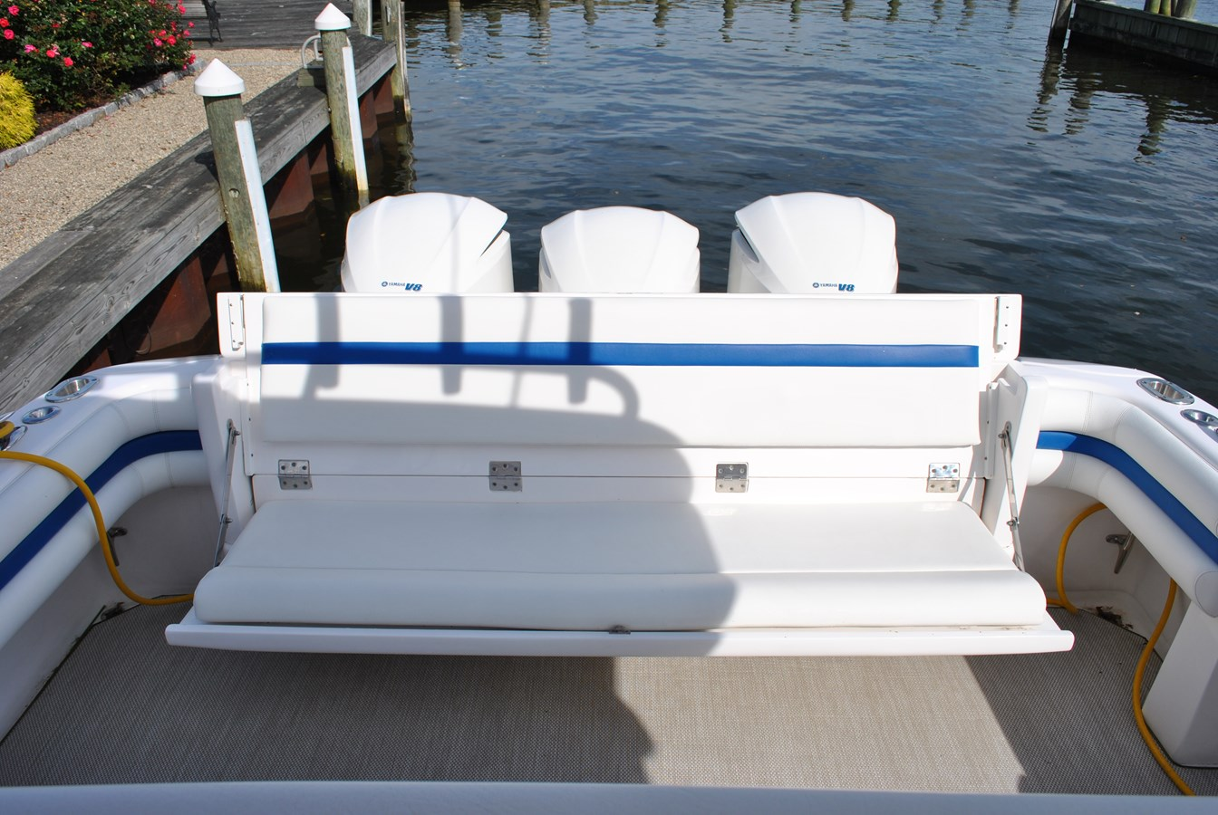 15 Cockpit Seating Aft 2015 INTREPID  Motor Yacht 2757396