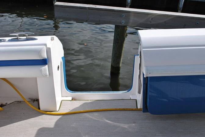 16 Cockpit Hullside Door 2015 INTREPID  Motor Yacht 2757397