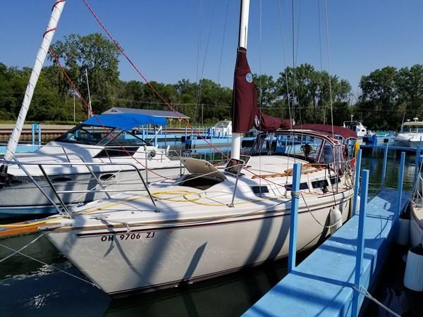 1983 CATALINA 30 Tall Rig Cruising/Racing Sailboat 2757229