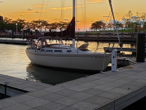 1983 CATALINA 30 Tall Rig Cruising/Racing Sailboat 2757233