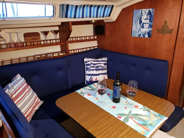 1983 CATALINA 30 Tall Rig Cruising/Racing Sailboat 2757236