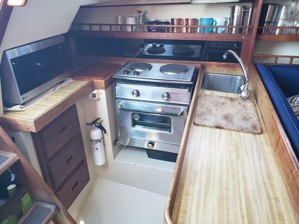 1983 CATALINA 30 Tall Rig Cruising/Racing Sailboat 2757238