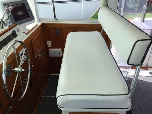 32 1976 BERTRAM Flybridge Motor Yacht Motor Yacht 2759108