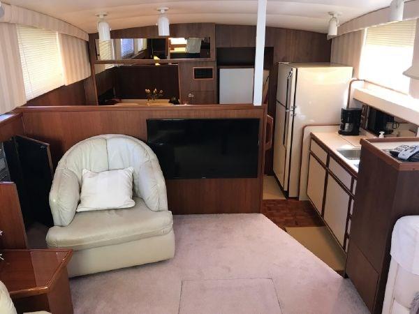 43 1976 BERTRAM Flybridge Motor Yacht Motor Yacht 2759121