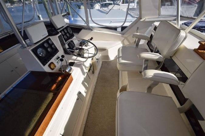 7203165_20190903092819263_1_XLARGE 1989 VIKING  Motor Yacht 2759563
