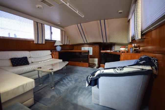 7203165_20190903093028292_1_XLARGE 1989 VIKING  Motor Yacht 2759570