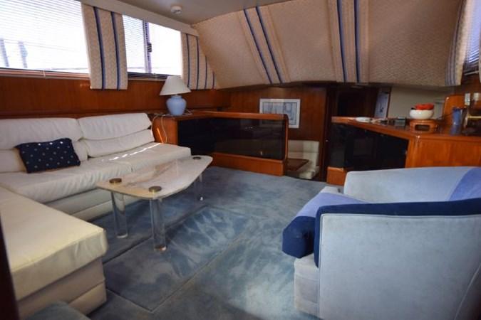 7203165_20190903093037934_1_XLARGE 1989 VIKING  Motor Yacht 2759572